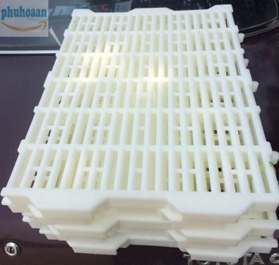Tấm nhựa lót sàn chuồng heo (chuồng chó) 40x55 siêu bền