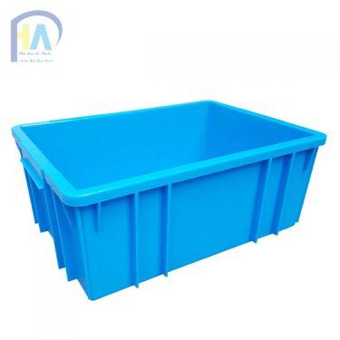Thùng nhựa đặc B3 rất tiện lợi khi đựng hàng hóa