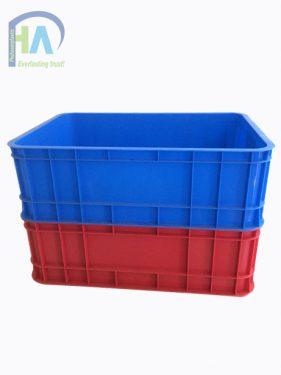 Thùng nhựa đặc B1 dễ dàng xếp chồng lên nhau