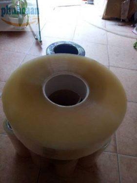 Băng dính trong lõi nhựa cuộn to MS Phú Hòa An cam kết giá rẻ
