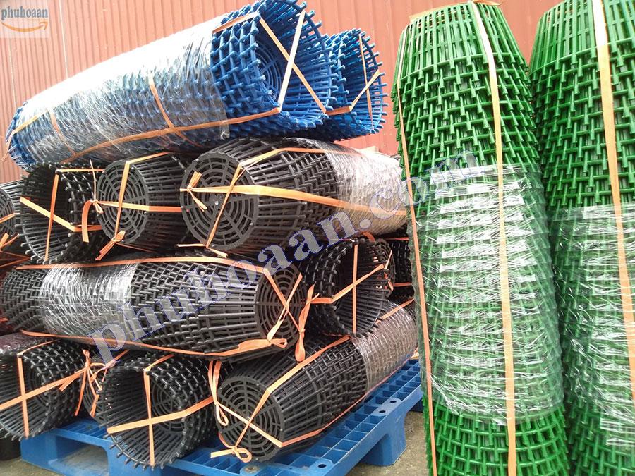 Chậu nhựa trồng lan xếp chồng lên dễ dàng